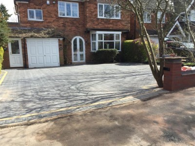 Charcoal Paved Driveway Laid By Our Paving Contractors